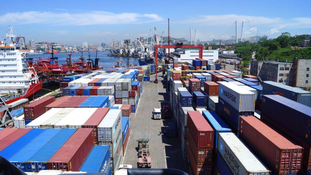 Увеличение грузопотока в портах Дальнего Востока.